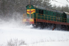 Ice Covered Train Rides In Sno...