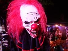 Scary Clown Halloween Decorati...