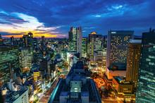 日本の都市、大阪梅田...