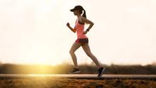 Asian Woman Runners She Was Ru...