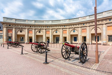 Old Cannons In Royal Palace Co...
