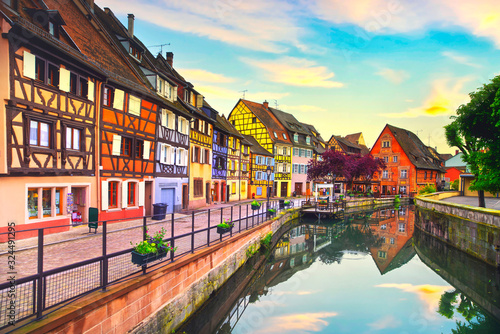 Fotografie, Obraz Colmar, Petit Venice, water canal and traditional houses