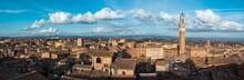 Siena, Vista Panoramica Sulla Piazza Del Campo E Centro Storico, Toscana, Italia, Europa