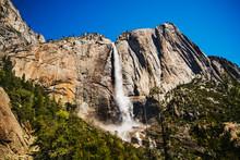 Bridalveil Fall, Yosemite Vall...