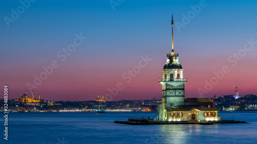 Canvas Maidens tower after beautiful sunset day to night timelapse in istanbul, turkey,