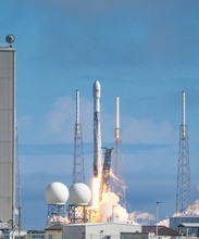 Vertical Shot Of The Liftoff Of Falcon 9 With The Starlink 4 Payload At Launch Complex 40