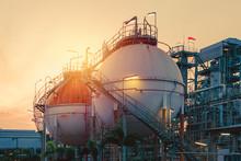 Gas Storage Sphere Tanks In Oi...