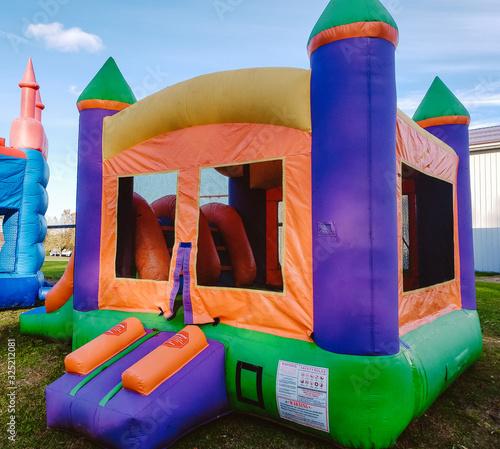 Cuadros en Lienzo Children's Colorful Bounce House2