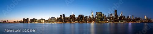 Photo New York, NY/USA - February 22, 2020: New York City Skyline at Night