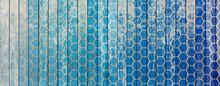 Formes Alvéolaires Sur Fond Bois Bleu Vintage