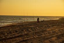 Pescadores En La Playa Del Delta Del Llobregat