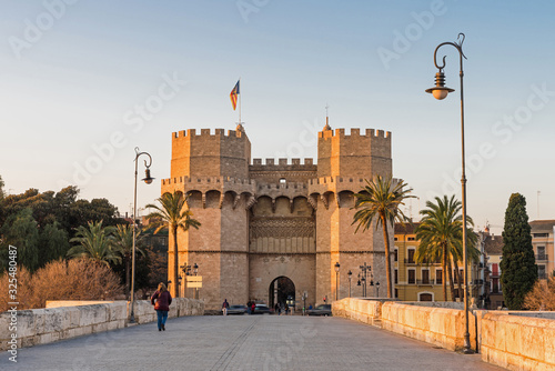 "Das Stadttor ""Torres de Serranos"" in Valencia; Spanien"