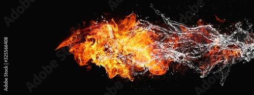Photo 絡み合う抽象的な炎と水