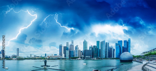Photo Singapore aerial panoramic view from drone with storm approaching