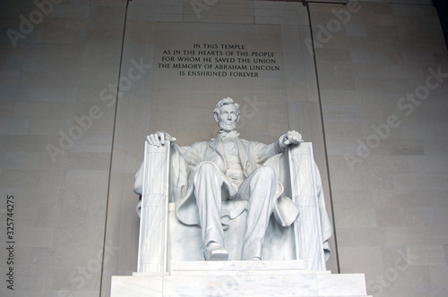 Photo Statue of Abraham Lincoln in the Lincoln Memorial, Washington, DC
