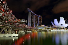 Singapore Merlion Park And Hel...