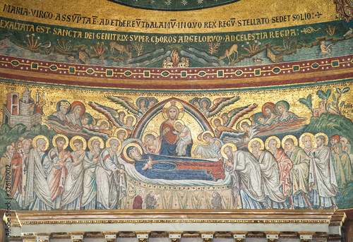Jacopo Torriti's mosaic 'The Dormition of the Virgin Mary' (1296) in the apse of Canvas Print