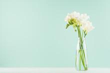 Fragrance Soft Light White Flo...