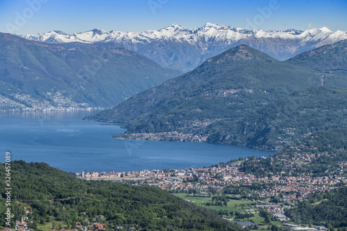 Valokuva Landscape of Luino from mountains