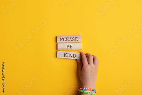 Photographie Please be kind sign
