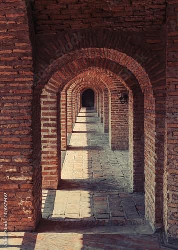 Photo Brick arches in the old caravanserai