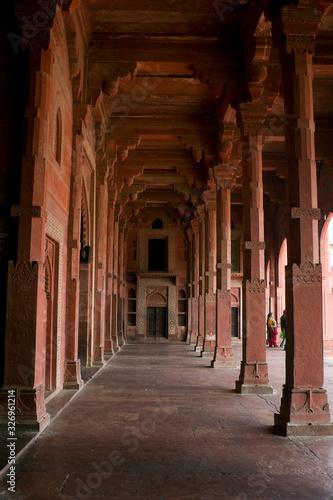 Agra, Uttar Pradesh / India - February 7, 2012 : Interior of the Jama Masjid in Fatehpur Sikri, Agra Fototapet