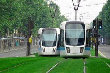 Pariz, tramvajski vlak