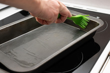 Greasing Baking Sheet With Oil