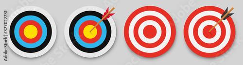Fotografía Archery target with arrow. Vector illustration.