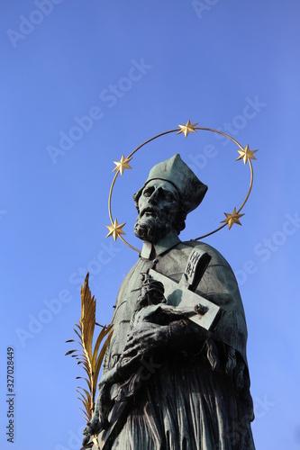 Платно statue of John Nepomucene with halo with five stars