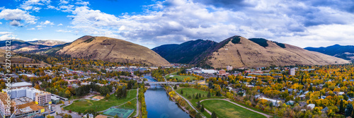 Obraz Fall Panoramic Over the Clark Fork - fototapety do salonu