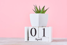 Wooden Blocks Calendar With Da...