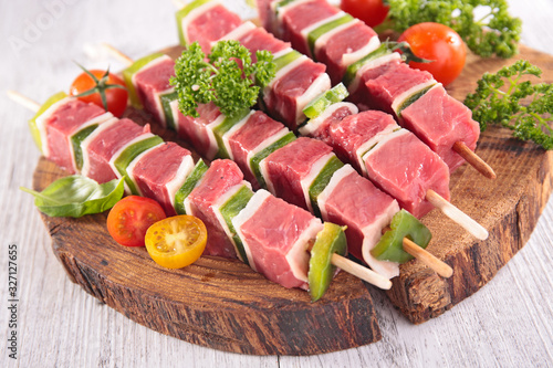 beef and bell pepper barbecue - skewer on wooden board Wallpaper Mural