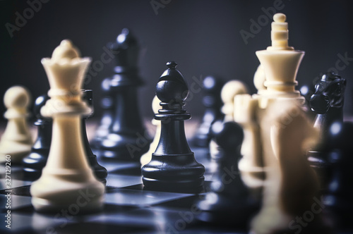 Carta da parati strategic decision and strategic move concept with chess