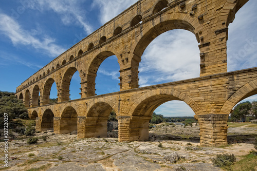Photo Pont du Gard is one of the most impressive samples of Roman architecture