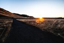 Island Sonnenaufgang Im Feld