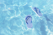 Striped Marine Flip Flops Floa...