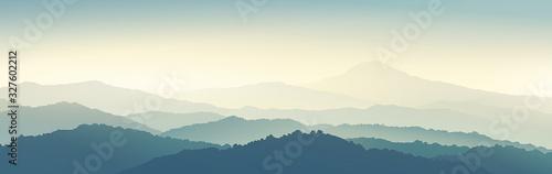 typ-panoramiczny-gorski-poranek-z-sylwetkami
