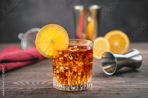 Photo Cocktail with brandy and orange bitter