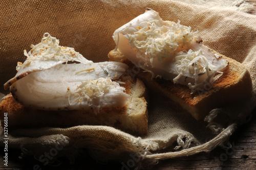 Photo Crostino con lardo e ricotta affumicata ft0202_4030 Crostino with lard and ricot