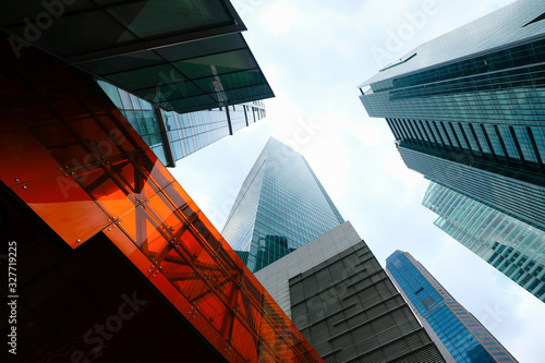 low angle view of singapore financial buildings Fototapete