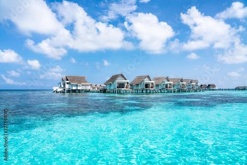 Fotomural Overwater villas in the blue lagoon