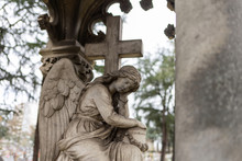 Statue Of A Sleeping Angel In ...