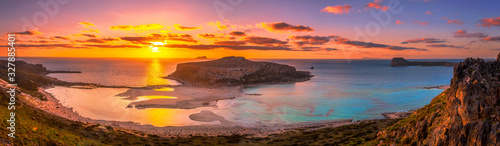 Fotomural Amazing aerial view of Balos Lagoon with magical turquoise waters, lagoons, trop
