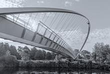 York. Millennium Bridge.
