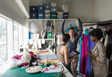 Female Fashion Designers And B...
