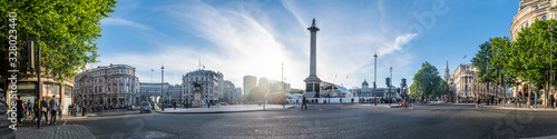 Fototapeta Panoramic view of the Trafalgar Square in London obraz