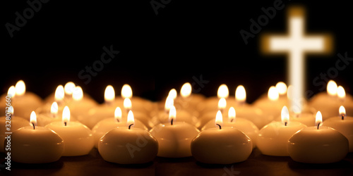 Fotografia christening cross with candle