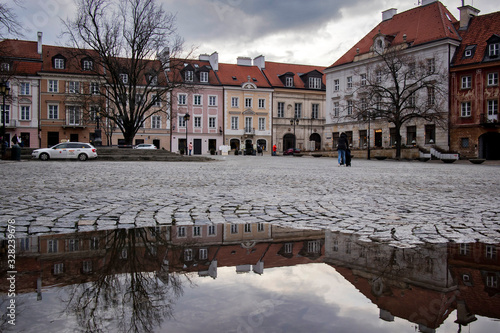 Fototapeta Late-Renaissance style burgher houses which were rebuilt after the Second World War and now form the UNESCO World Heritage Site Old Town at Rynek Nowego Miasta obraz