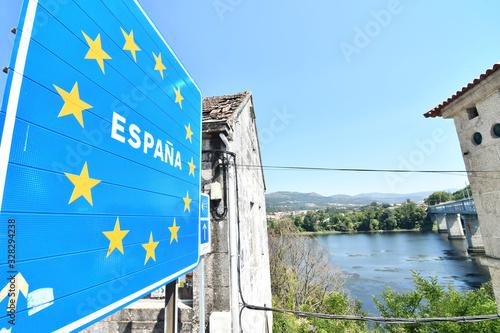Obraz detail of the border city town fortaleza de valenca between spain and portugal - fototapety do salonu